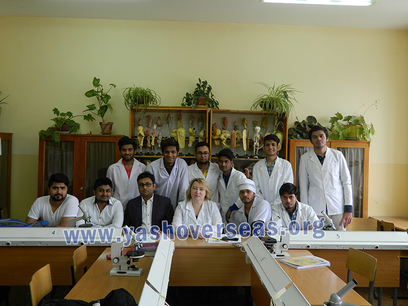 Chuvash State University Medical Academy students with professors
